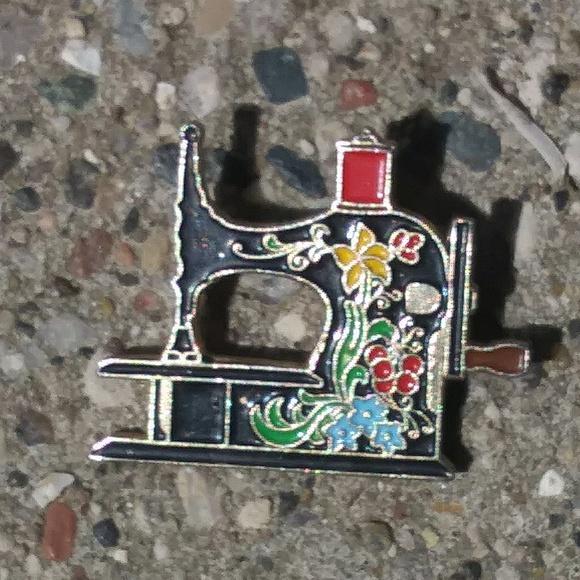 Vintage Antique Sewing Machine Enamel Pin